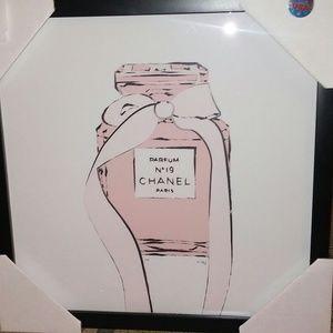 SUPREME FAIRCHILD PARIS WALL ART Chanel.    92/100
